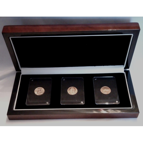 17 - A 22CT GOLD VICTORIAN THREE HALF SOVEREIGN COIN SET Comprising young head, dated 1871, Jubilee head,...