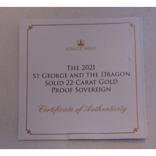 31 - A 22CT GOLD 'NEW GEORGE AND DRAGON' FULL SOVEREIGN PROOF COIN, DATED 2021 In a protective capsule an...