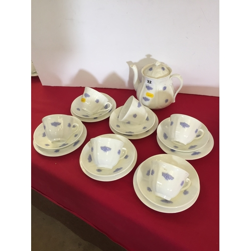 22 - ADDERLEY BLUE CHELSEA TEA SERVICE; 20 PIECES...