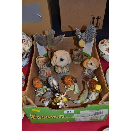 24 - COLLECTION OF 13 VARIOUS BIRD ORNAMENTS INCLUDING GOEBEL, ARDEN, ETC...