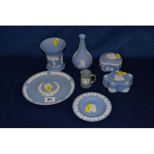 21 - 9 PIECES OF WEDGWOOD BLUE AND WHITE JASPERWARE...