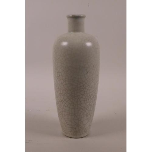 10 - A Chinese crackleware vase, 8½