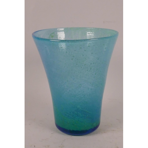 41 - A Nazeing blue swirl, trumpet shaped glass vase, 6