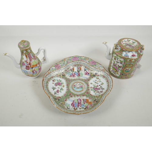 42 - A C19th Chinese export famille rose medallion porcelain teapot, 5½