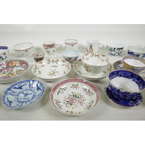 44 - A quantity of C18th Chinese export porcelain tea bowls, tea cups and saucers, with famille rose, blu...