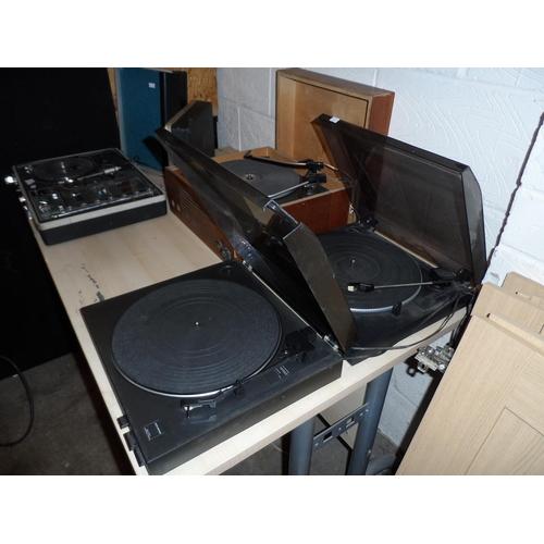 5 - 2x Vintage JVC decks, one has no stylus model AL-E56, the other broken lid model AL-E23 (spares or r...