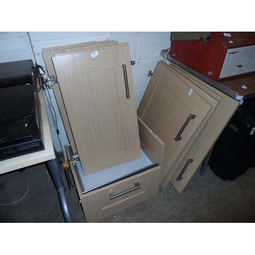 6 - Matching Tiverton Wickes wooden kitchen drawers and doors in good condition with fittings, includes ...