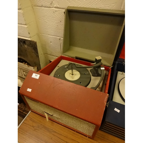 14 - Vintage Defiant red record player, powers up...