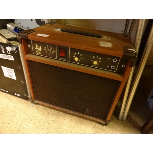 21 - JSH C5 guitar amp, powers up...