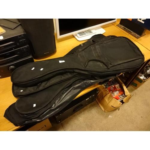 23 - 4x Black guitar cases...