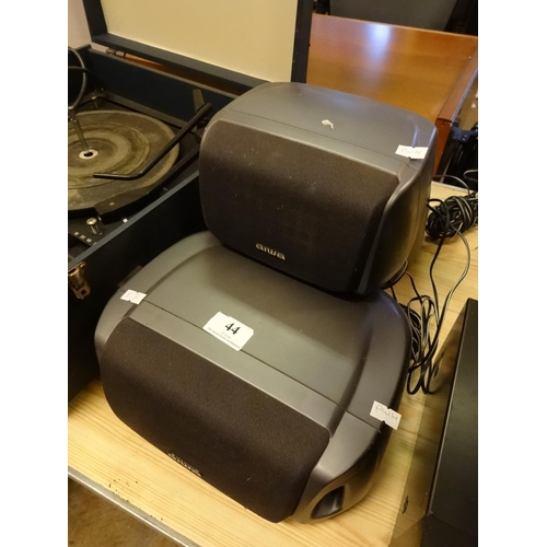 44 - Aiwa speaker system model no 1x SX-C400 2x SX-R230 for stereo system...