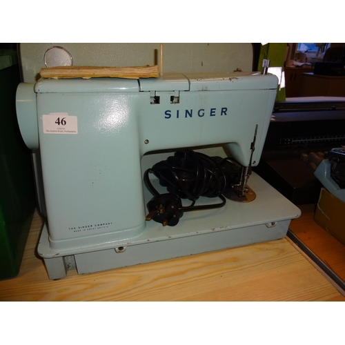 46 - Vintage Singer electric sewing machine model 348 with manuel...
