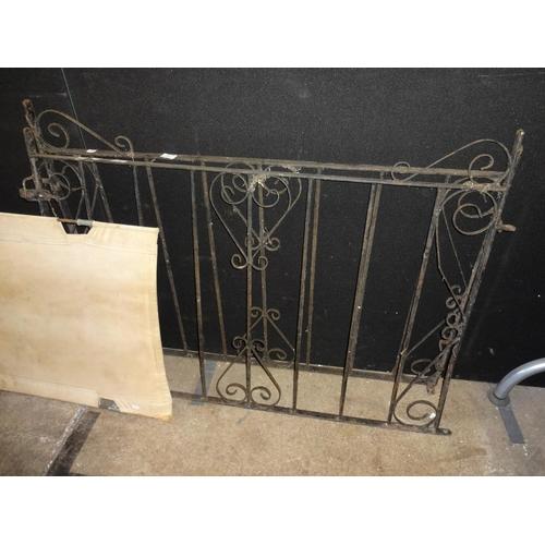 2 - 2x Wrought iron gates...