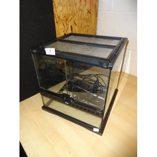 3 - Vivarium and accessories in good working order...