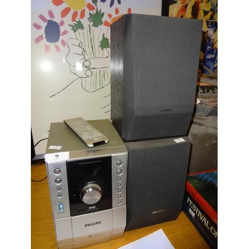 9 - Philips Mini Hi-fi CD/Cassette/Radio...