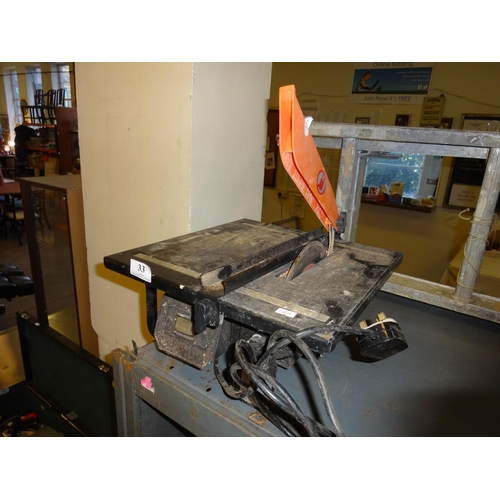 33 - Table top eletric tile cutter...