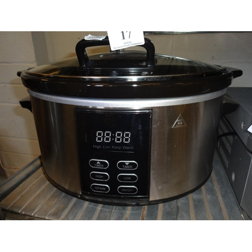 17 - Slow cooker in working order...