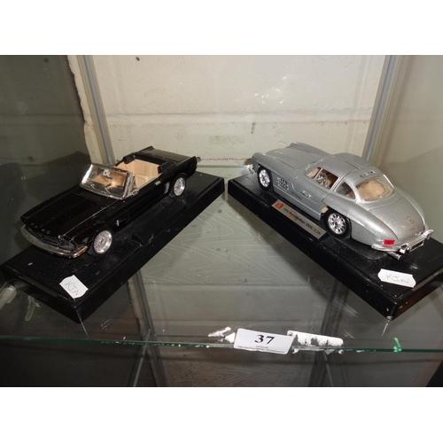 37 - 2x Model american cars...
