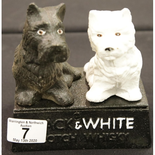 4 - Cast iron Black & White Whisky dogs H: 15 cm. P&P Group 2 (£18+VAT for the first lot and £2+VAT for ...