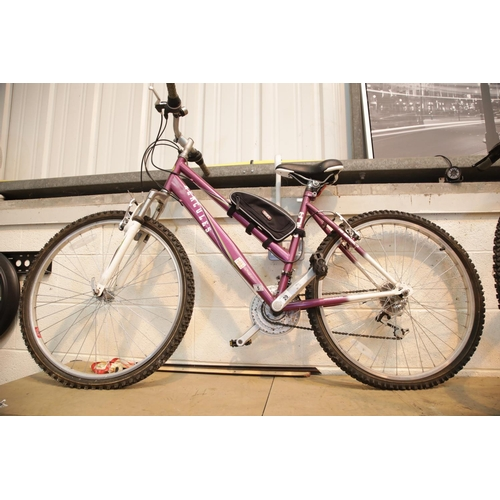 29 - Hercules ladies trail bike 18 speed. In used working order, frame size 45 cm. This lot is not availa...