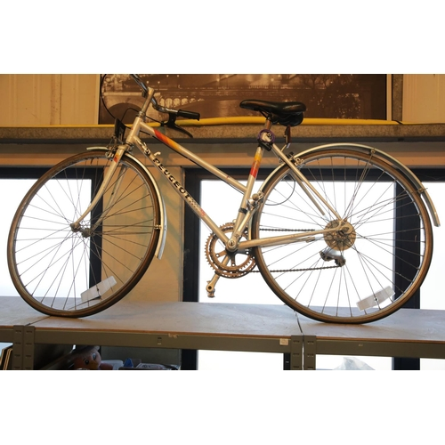 30 - Ladies Peugeot 10 speed bike. This lot is not available for in-house P&P, please contact the office ...