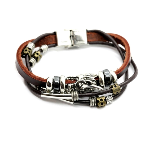 1014 - Gents leather cord bracelet with white metal dragon. P&P Group 1 (£14+VAT for the first lot and £1+V...