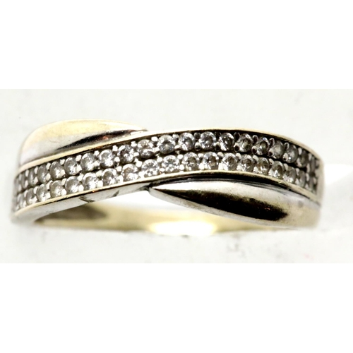1044 - 9ct gold crossover dress ring, size J/K, 1.8g. P&P Group 1 (£14+VAT for the first lot and £1+VAT for...