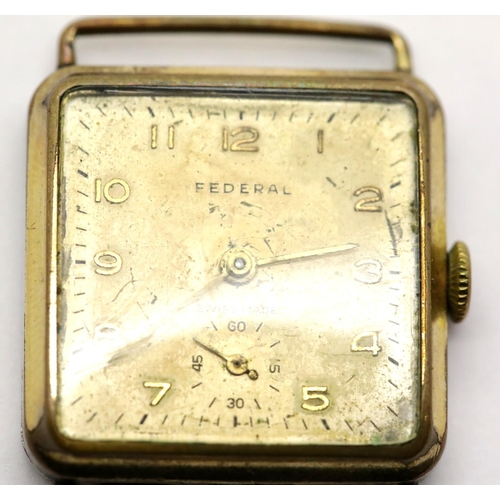 1056 - Vintage gold plated gents Federal Swiss made wristwatch. P&P Group 1 (£14+VAT for the first lot and ...
