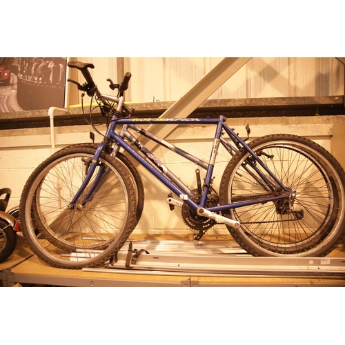2 - Two mountain bikes in need of remedial repairs. Not available for in-house P&P....