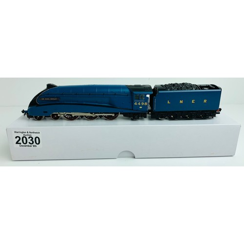 2030 - Hornby A4 Class 'Sir Nigel Gresley' 4498 LNER Garter Blue Loco - Supplied in Custom Plain White Box ...