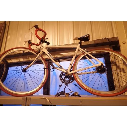 10 - Gents 14 speed Raleigh Pursuit racing bike with 22