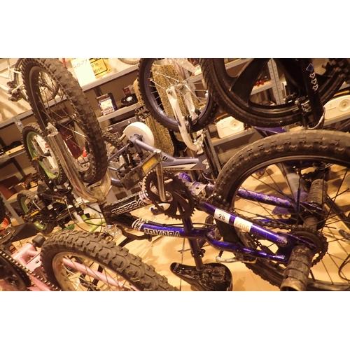 28 - Voltage Vertical boys BMX bike with 10