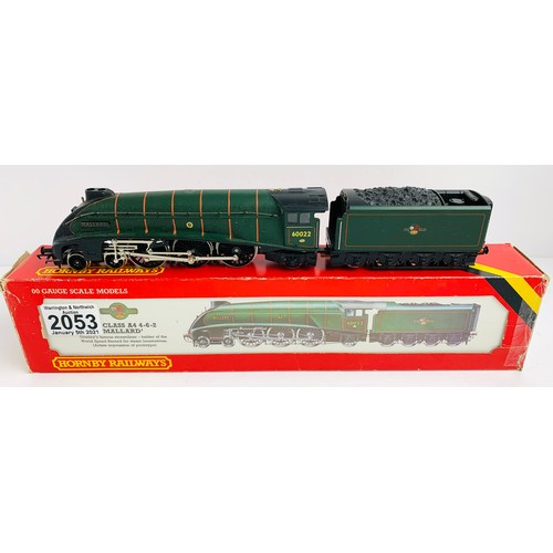 2053 - Hornby OO Gauge Mallard Locomotive Boxed P&P Group 1 (£14+VAT for the first lot and £1+VAT for subse...
