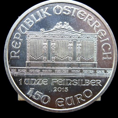 3020 - 2015 Austrian one-ounce fine silver 1,50 Euro, Wiener Philharmonic. P&P Group 1 (£14+VAT for the fir...