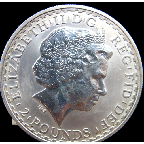 3021 - 1998 Britannia one-ounce £2 of Elizabeth II. P&P Group 1 (£14+VAT for the first lot and £1+VAT for s...