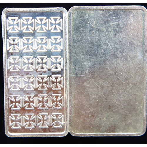 3023 - Two fine silver bullion ingots, each 5g, each numbered, one encapsulated. P&P Group 1 (£14+VAT for t...