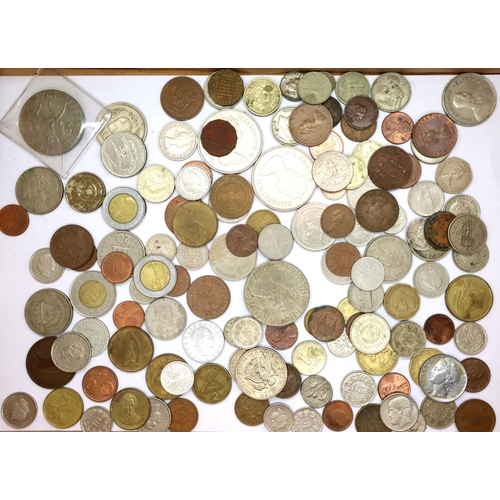 3035 - A collection of mixed UK and world coins. P&P Group 1 (£14+VAT for the first lot and £1+VAT for subs...