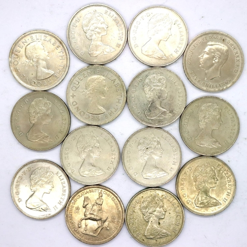3043 - Fourteen assorted crowns of George VI and Elizabeth II. P&P Group 1 (£14+VAT for the first lot and £...