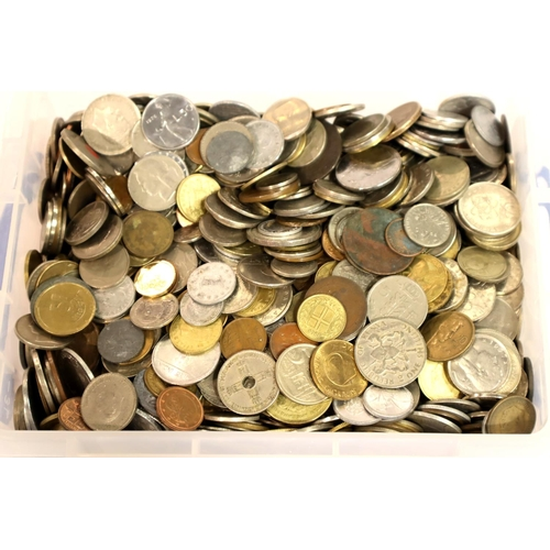 3052 - Large collection of 20th century world coins, approximate weight 13kg. Not available for in-house P&...