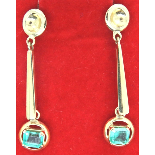 15 - 14ct gold and emerald drop earrings, no hallmarks (tested as 14K) earring drop L: 30 mm, 5.2g. P&P G...