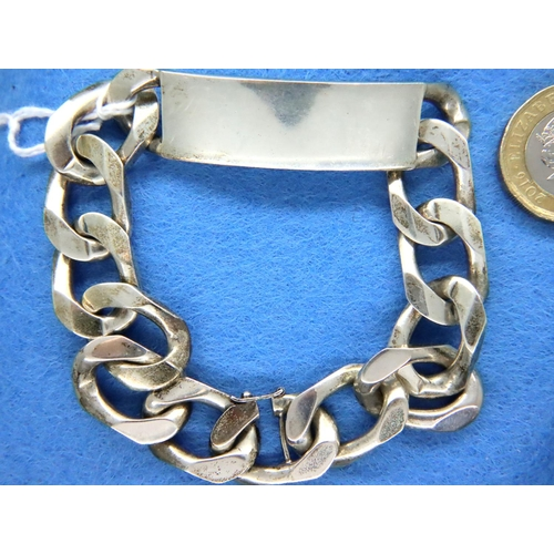 18 - Gents heavy silver ID bracelet, L: 22 cm, 65g. P&P Group 1 (£14+VAT for the first lot and £1+VAT for...