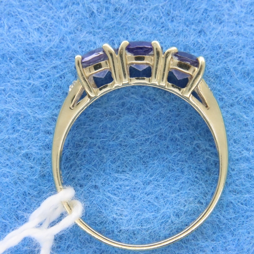 43 - 9ct gold amethyst and diamond set ring, size N/Q, 2.4g. P&P Group 1 (£14+VAT for the first lot and £...