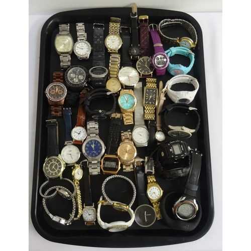 109 - SELECTION OF LADIES AND GENTLEMEN'S WRISTWATCHES including Fossil, Lorus, Pulsar, Limit, Ben Sherman...
