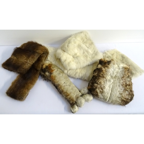 318 - SELECTION OF ANIMAL FUR COLLARS AND MUFFS including mink and rabbit (5) - RE-OFFERED IN TIMED AUCTIO...