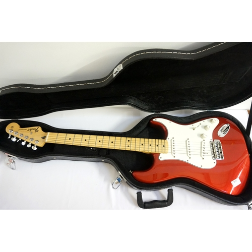 296 - 2017 FENDER STRATOCASTER ELECTRIC GUITAR made in Mexico, serial number MX17889204, Candy Apple red f...