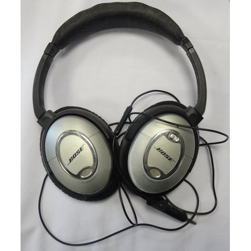 247 - BOSE QUIETCOMFORT 15 ON-EAR ACOUSTIC NOISE CANCELLING HEADPHONES  With case....