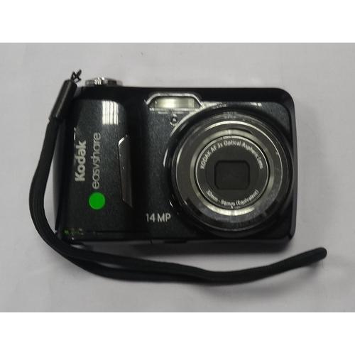 284 - KODAK EASYSHARE C1530 DIGITAL COMPACT CAMERA 14MP.  3 x Optical Zoom.  2GB memory card.  With case.