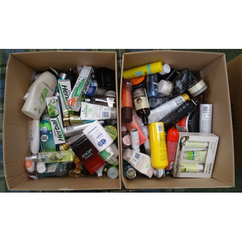 18 - TWO BOXES OF USED AND NEW TOILETRY ITEMS including: BAYLIS & HARDING; JOOP; CHANEL; BIOTHERM HOMME; ...