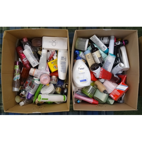 21 - TWO BOXES OF USED AND NEW TOILETRY ITEMS including: CALVIN KLEIN; HUGO BOSS; RALPH LAUREN; BAYLIS & ...