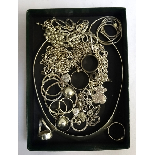 13 - SELECTION OF SILVER JEWELLERY including a shell set ring, an amber set ring, a plain necklet, bracel...